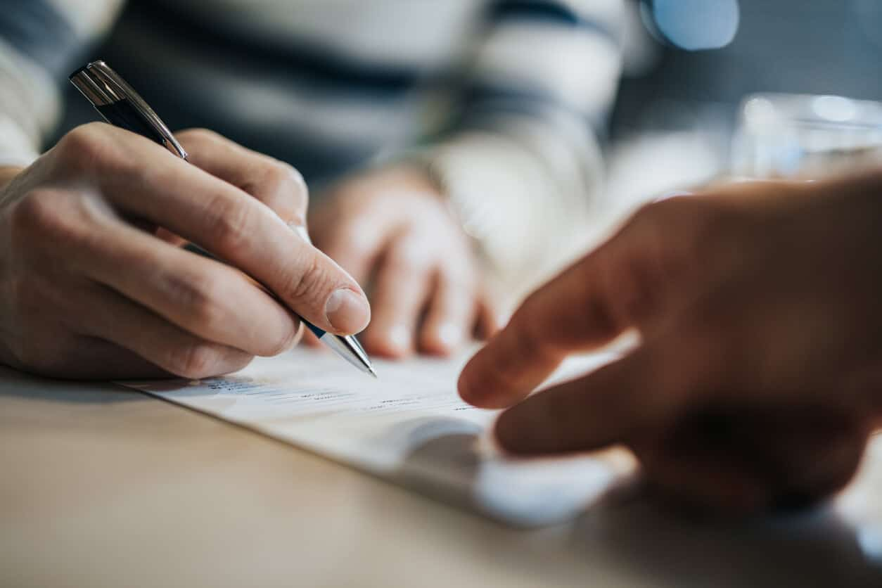 Managing Outsourcing Contracts